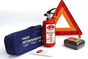 Отсутствие аптечки и огнетушителя