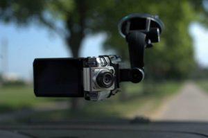 Как правильно выбрать видеорегистратор для автомобиля