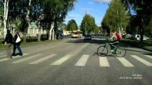Как правильно выполняется разворот на пешеходном переходе