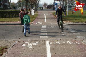 По какой стороне дороги должен идти пешеход согласно ПДД, чтобы не нарушать