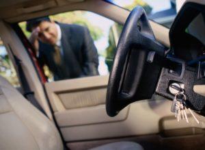 Что делать, если в авто заклинило двери